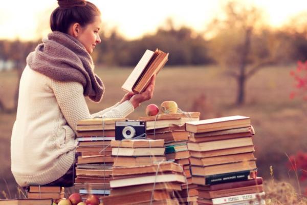چرا باید رمان بخوانیم